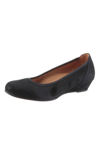 Классические туфли Gabor