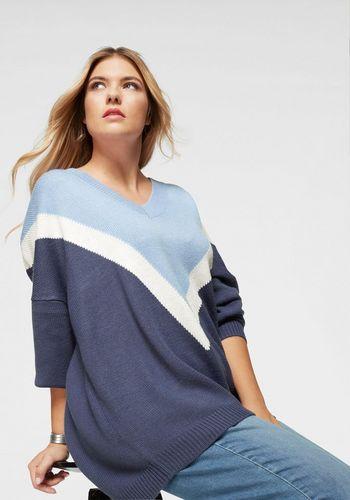 Пуловер с V-образным воротом AJC