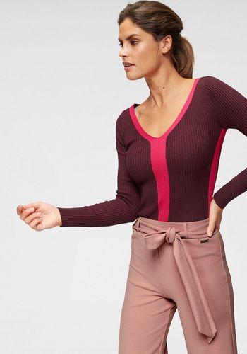 Пуловер с V-образным воротом Bruno Banani