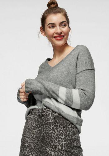 Пуловер с V-образным воротом LTB