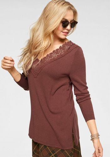 Пуловер с V-образным воротом Boysen's