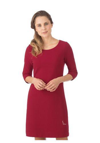Платье-футляр Trigema